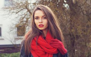 Красный шарф