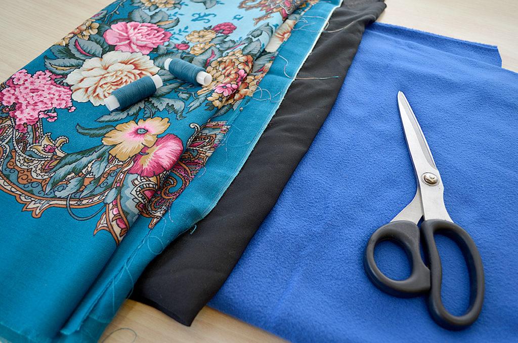 сшить платок из ткани